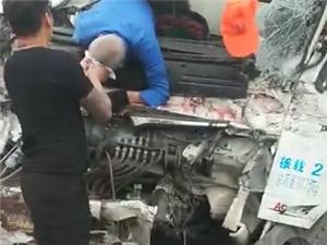 今天上午G207国道,黄庄路口发生一起交通事故