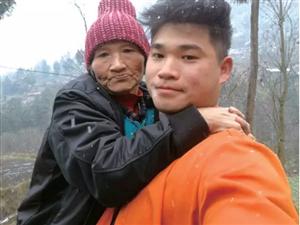 感动!巴中28岁男子带重病母亲打工