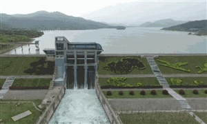 名仕亚洲合溪水库开闸泄洪
