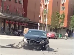 2018年4月17日下午在向阳路与建兴街交叉口处发生一起交通事故