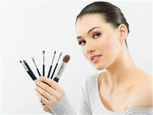 这位女孩,你会化妆吗?没有丑女人,只有懒女人,说的就是你!