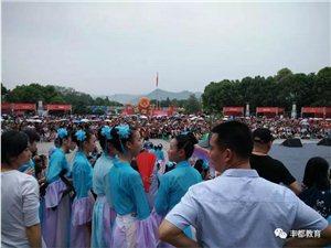 英雄出少年!看丰都这所学校的小孩在庙会上大展身手~超棒!