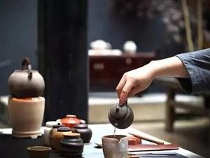 爱茶的女人,其实追求的是一种格调。