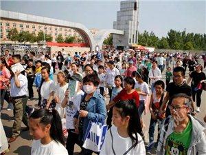 《宝丰诗词大会》第二季海选盛况空前2390名选手参加笔试