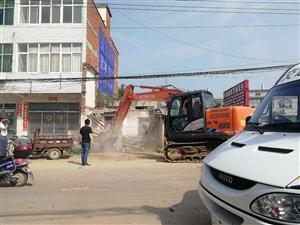 潢川县卜塔集镇强力推进农村公路环境整治