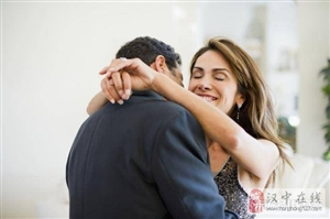 男人已经离不开一个女人的表现有哪些?