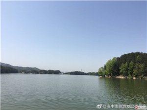 红寺湖云缦山庄 湖光山色中的奢华隐居