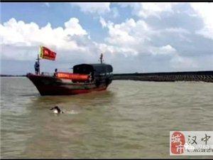 威尼斯人网上娱乐平台杨立成为往返横渡琼州海峡北南北向世界第一人