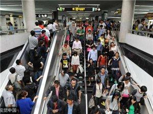 年轻人,为什么不建议你挤地铁上下班?