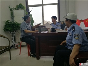 《灵寿公安交警大队》把安全送进农村村委会党支部