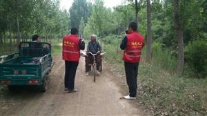 阜城码头76岁老太骑三轮走失两天一夜,阳光义工驱车40多公里找到老人,老人