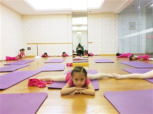 广汉天艺舞蹈暑假班火热招生中,可以根据小孩子的年龄和家长的时间选择班别!