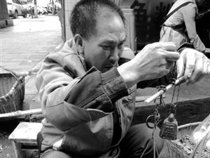 实拍混在郴州城里的乡亲:透过他们看到社会底层的酸甜苦辣