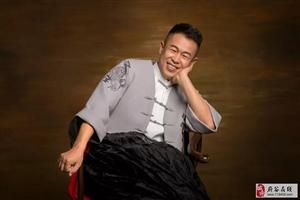 府谷千万富翁生意失败开始卖起了猪蹄子,歌手刘美玉近期又在府谷搞出大动静