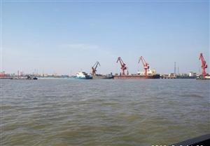 澳门威尼斯人网站人在长江跑自家的船!带你们看看风景。
