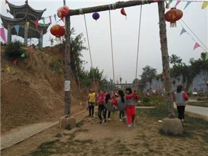 合阳县黑池镇中心小学组织师生体验本土非遗文化