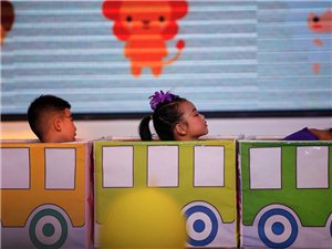 蓝贝幼儿园欢庆六一文艺表演,儿童节快乐(组图)