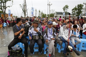 四川钓王争霸!5月26日,400多名钓鱼高手齐聚广汉易家河坝竞技(组图