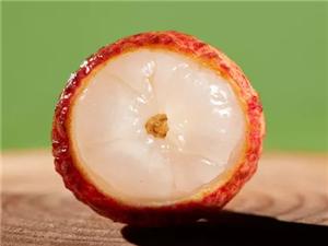 高州在线为你奉上香甜到心尖的桂味荔枝,省内100元10斤包邮,错过等一