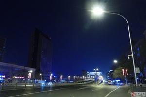 这样偌大的城市里夜深人静的时候你是否也会想家?