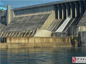 2018年丹江口大坝首次泄洪