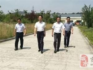 居民喊渴,领导很急!宿州副市长张海虹调研夏季城区供水保障工作。