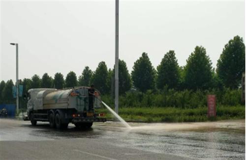 """澳门威尼斯人注册市公路局""""四及时""""做好雨后公路养护工作"""