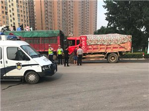 今早,朝阳路与宏翔大道口发生交通事故
