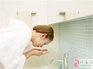 """你的脸真的洗对了吗?这5个""""毁容""""的洗脸误区,你一定要知道!"""