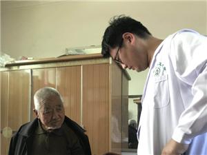 甘井中心医院深入宣传健康扶贫政策