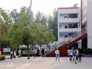 致青春第四期 潢川实验中学!有一天我们也会想念那个可爱的地方...