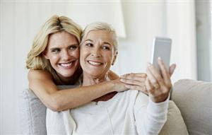 有不用闲置的老年人用的手机,呢,收个给妈妈用