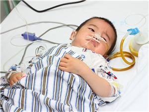 江夏困�y家庭母子先后重病手�g,民企公益基金����急程序救助