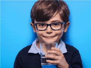 怎样喝水才更加安全、健康?