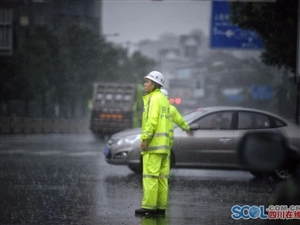 四川多地暴雨,多条高速暂时关闭,航班大面积延误(附雨季出行指南)