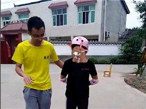 德阳市第三届公益创投项目――心灵桥梁快乐俱乐部:轮滑、声乐、绘画课程