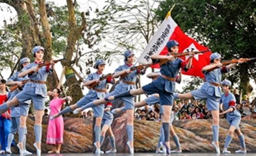 王裕超拍摄芭蕾舞剧《红色娘子军》剧照