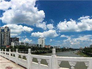 【走近】第24期:高温下的潢川,56岁大叔每天跑100公里,只为...