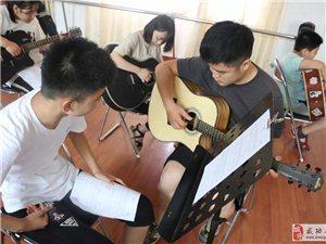 【艺术培训】武功县文化馆举办2018暑期青少年吉他免费培训班