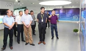 中国自行车协会理事长刘素文在超威集团调研