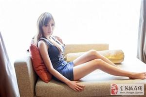 街拍:美女们靠一双嫩白的腿走天下,身材比模特还好你喜欢吗?