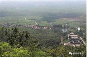 看图:最新注册送体验金网址的娘娘山脚下,有个几十户人家的小村庄