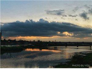 夕阳撒金~~~挥之不去的家乡情结,留连忘返的美景,宁市不可区啊!