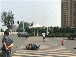 刚刚,朝阳路发生一起车祸!