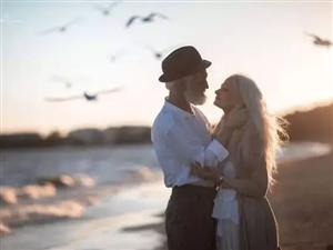 你是我的眼!富顺这对七旬夫妇,演绎了最浪漫的爱情故事