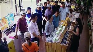 盟委组织部领导带领宝绍岱对口帮扶嘎查牧民来上都在线交流特产电商