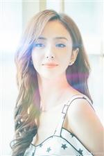佟丽娅美图图~在阳光下露出甜美微笑,举手投足之间都散发着迷人魅力