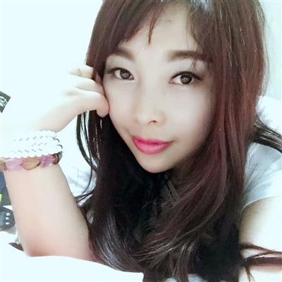 【美女秀场】赵琴28岁摩羯座销售