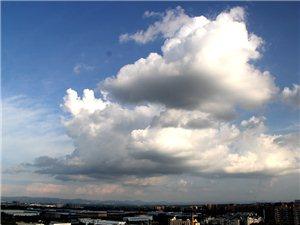 随便拍、随便搞~我大广汉的蓝天白云是越来越多,还是整点图图发出来