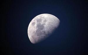 重大发现!月球两极存在水冰为人类移居提供可能